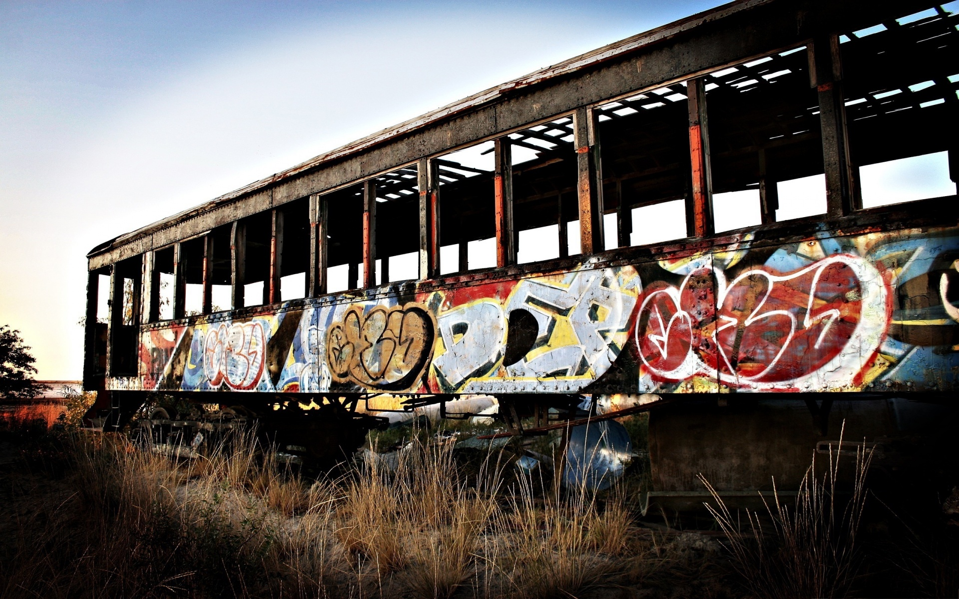 train-wagon-graffiti-1920x1200